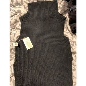 BRAND NEW WITH TAGS ARITZIA DURANDAL SWEATER